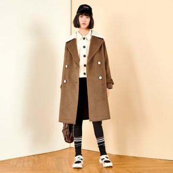太平鸟 限时秒杀活动 反季销售 羊毛双排扣女士大衣 1.7折 ¥199