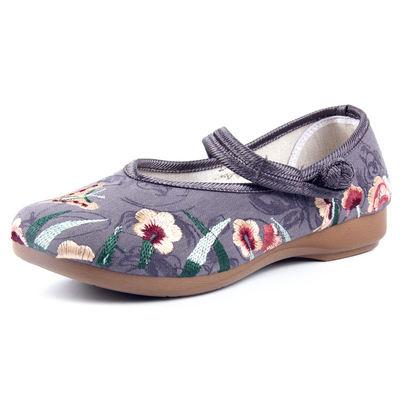 赛格 中老年妈妈复古绣花软底布鞋6698ll8R 券后34.8元包邮