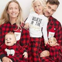 5折+满额8折 $8/套起 Carter's官网 全家的居家服饰热卖,爸爸妈妈和娃娃都有