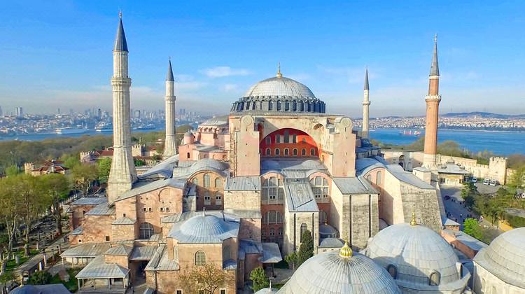 全景环游、全国联运!武汉-土耳其伊斯坦布尔+卡帕+棉花堡+爱琴海+地中海+特洛伊12天10晚跟团游 7690元起/人