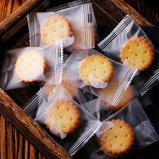 滋食 麦芽夹心饼干 咸蛋黄味 18小袋 *5件 16.8元包邮(双重优惠) ¥17