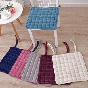随机花色 冬季毛绒沙发垫防滑坐垫 ¥3